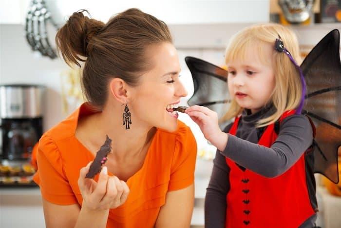 Tip or Treat: Ways to Keep Teeth Healthy Through Halloween