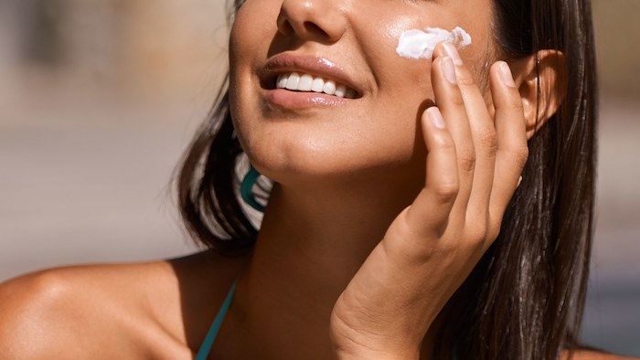 6 Skin Care Tips That Dermatologists Use Themselves