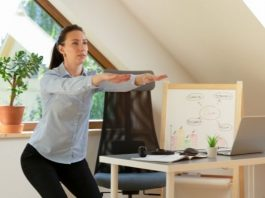 Easy Ways to Workout at Your Desk